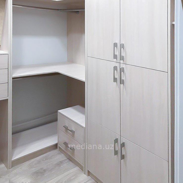 Гардеробная комната - мебель на заказ в Ташкенте